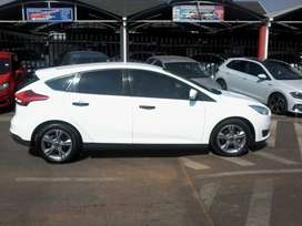 Ford Focus sedan 1.0ecoboost Ambiente auto