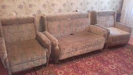 Продам в Херсоне комплект диван и два кресла