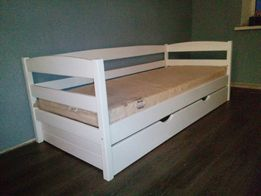 Кровать с ящиками деревянная
