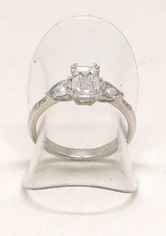 Białe złoto 0,750. Pierścionek z brylantami 1,50 carat. Zaręczynowy. Szczecin - image 2