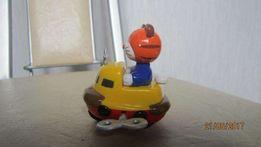 Тигр в лодке на колёсах