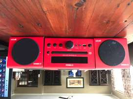 Yamaha MCRB043D Micro Stereo System - Red