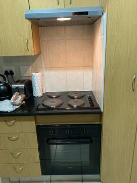 Oven, hob and extractor