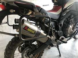 Africa Twin Crf1000 with all possible extras incl Acrapovic Pipe