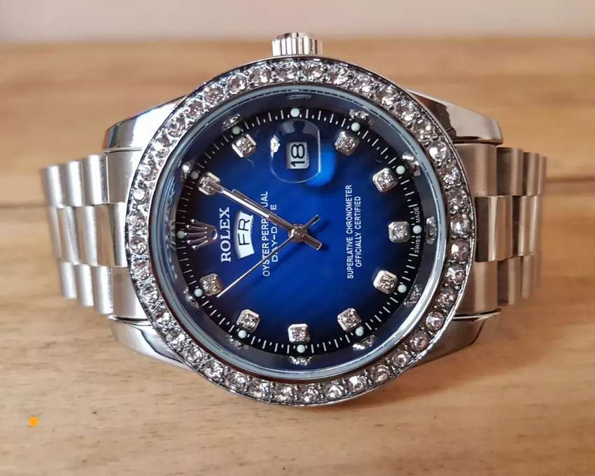 Rolex Oyster with stones 0