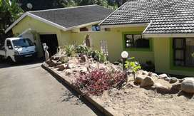 Recently renovated 3 Bed House, 2 Bth, and Dbl Garage + 2 pkng
