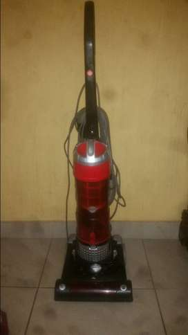 New hardly used genesis upright vacuum cleaner for sale