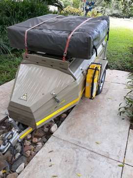 Roadster 310 Camp Trailer with lots of extras