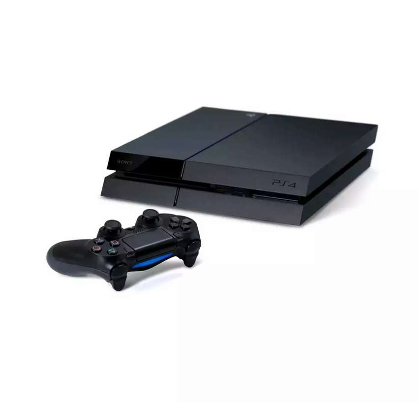 PS4 with FIFA 18 disc 0