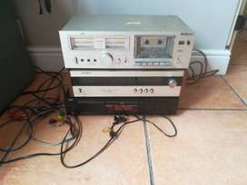 CD Player - FM/AM Tuner / Tape Deck