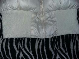Женская зимняя куртка молочного цвета. Размер с. Цена 50 грн.