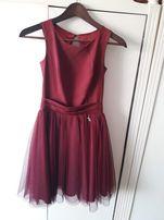Piękna bordowa sukienka