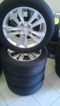 """Image of 16"""" hyundai i30 mags to fit kia and toyota with 205/55/16 used tyres"""
