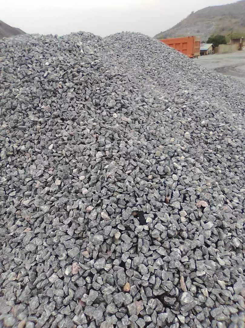 Chippings, sand and gravels supply 0