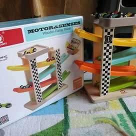 Toy Bright. Wooden Ramp Racer.