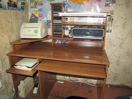 Продам стол компьютерно-писменный