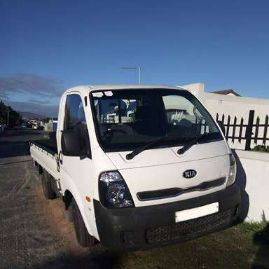 Bakkie for hire & removals 0