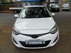 2014 hyundai i20 1.4 Glide with 85000km