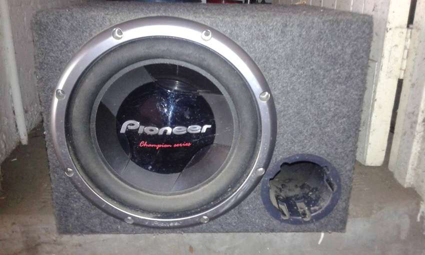 "12""Pioneer Dvc sub champion series 1200W with s/wood spec box"