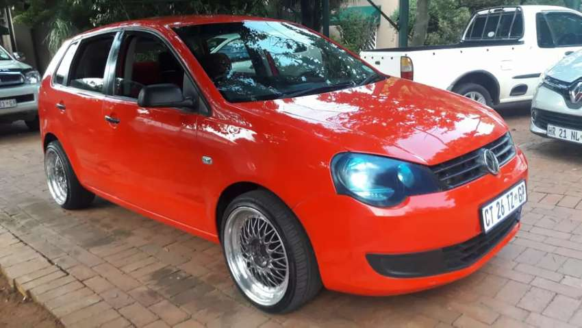 2013 vw polo vivo 1.4 hatch with mags for sale 0