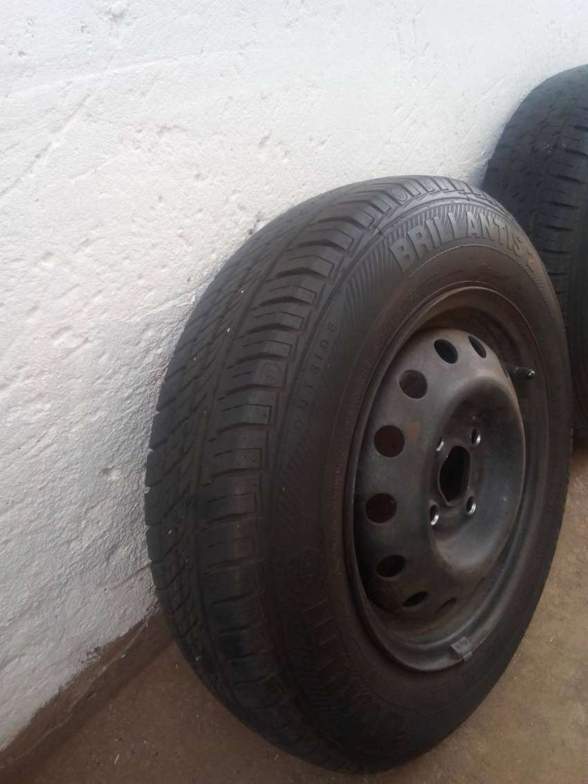 Set of Wheels With Fairly New Tyres 0