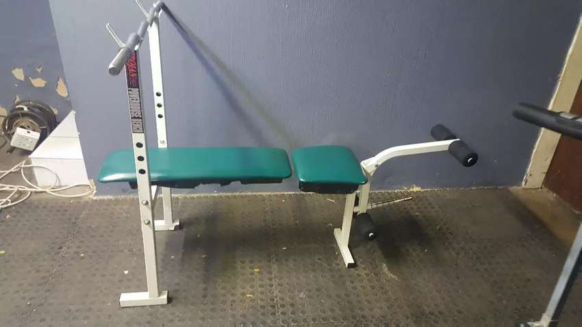 Trojan  Bench  and Weighs 0