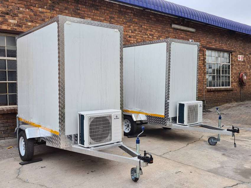 Mobile Freezers Chillers VIP Toilets Kitchens Bars for sale