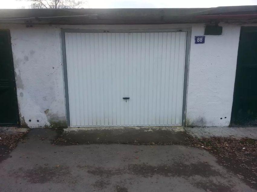 Prodám garáž v Havířově ul.Jarošova 0