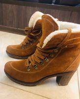 Зимове взуття жіноче Замш Класика чудові черевичкі 39р