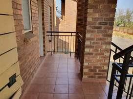Spacious two bedroom apartment up for rent in boksburg