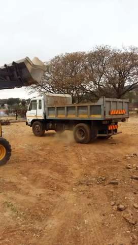 R600/RUBBLE REMOVAL/TLB HIRE/TREE FELLING SERVICES/TIPPER TRUCK HIRE