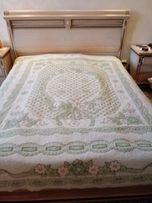 Продам шикарное покрывало на кровать