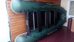 Продам Надувную лодку Колибри КМ-400D