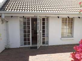 1 bed room house to rent