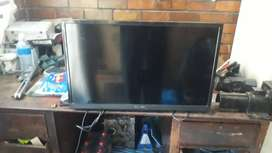 Telefunken Led Tv dead or craked WANTED Wanted