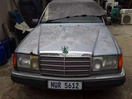 2 x Mercedes w124  230E for sale