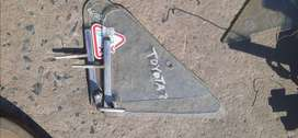 Toyota Hilux Hips RH ¼ vent .