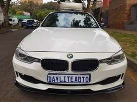 2012 BMW 328i F30 Msport with Sunroof and leather seats