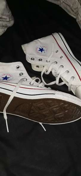 Never used white converse boots