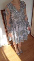 Koronkowa szara sukienka z srebrnymi aplikacjami r.36