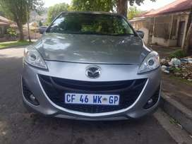 2013 Mazda 5 1.5 with leather seats and tables for eating 7 SEATER