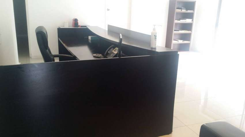 Good condition second hand Office furniture for sale 0