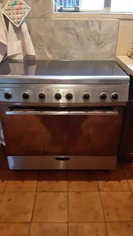 Sunbeam stainles steal 5 plate gas stove with elec oven