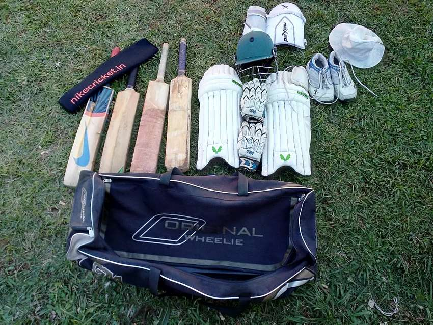 Cricket kit with 4 bats 0