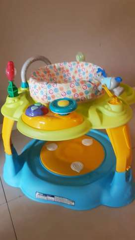 Baby play bouncer