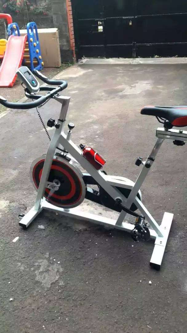 Stationary cardio gym indoor cycle spin bike 0