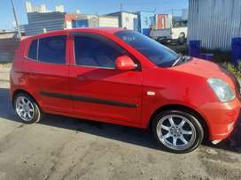 Kia picanto 1.1,with 15 inch mags,sound system, central locking