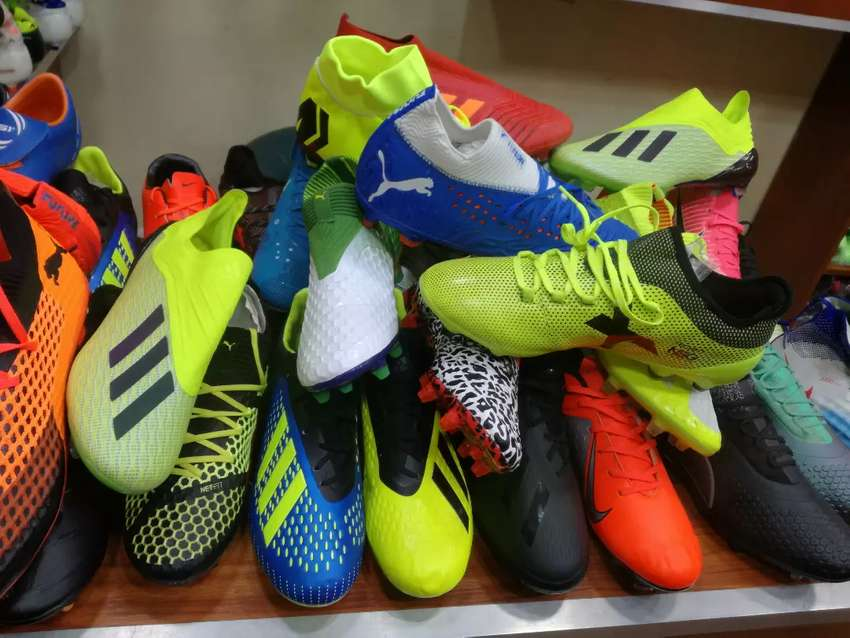 Brand new original soccer boots at only 200k 0