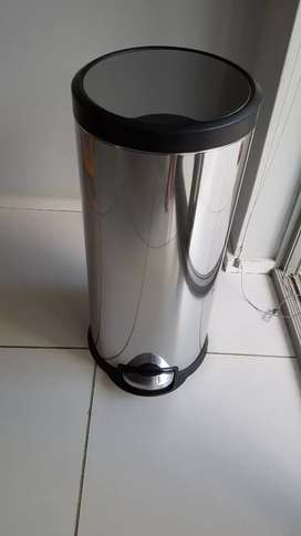Kitchen stainless steel dustbin