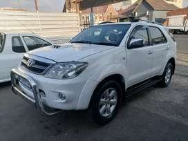Toyota fortuner 3.0 D4D 4x4 leather seat
